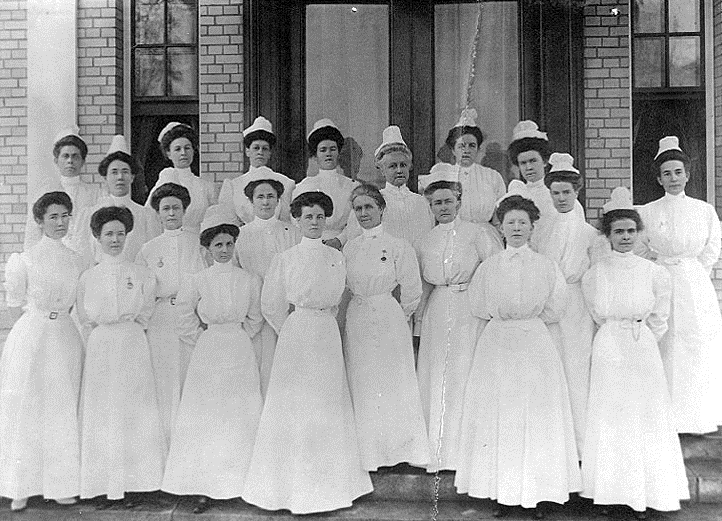 Nurses uniform in 1800